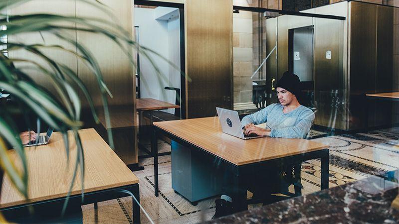 9 Tips Bekerja di Kantor saat Pandemi CoViD-19