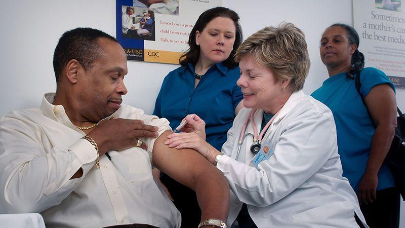 Vaksin Flu untuk Orang Dewasa, Kenapa Tidak?