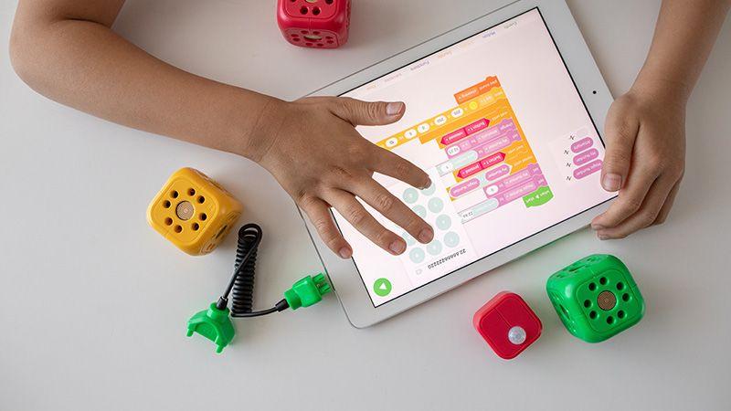 8 Tips Membuat Anak-anak Bijak Menggunakan Gadget