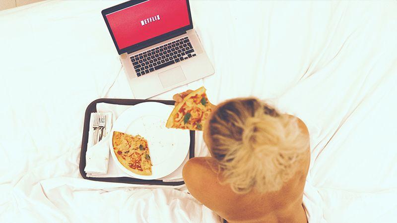 8 Acara Traveling Netflix untuk Mengisi Liburan di Rumah