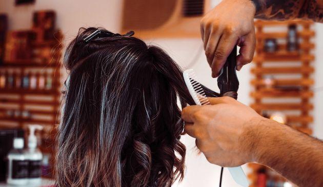Cara Mengapresiasi Penata Rambut