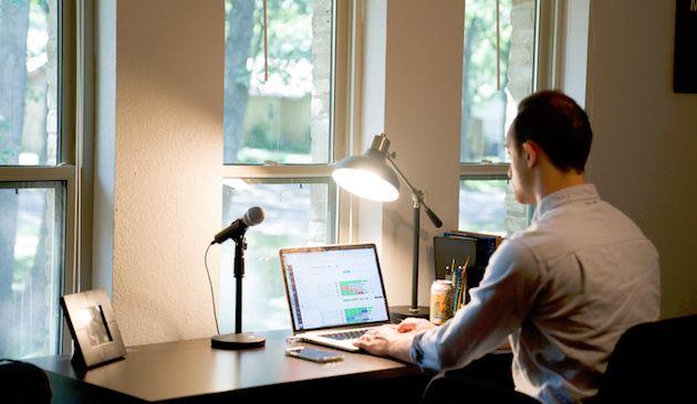 Luwes & Apik saat Virtual Meeting